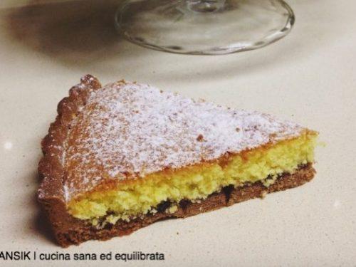 Crostata con frangipane al cocco e frolla al cacao