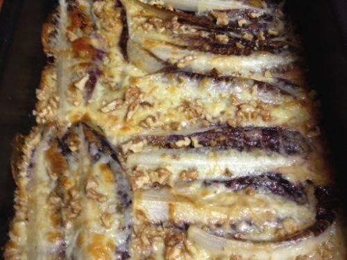 Radicchio al forno con scamorza affumicata e noci (radicchio rosso)