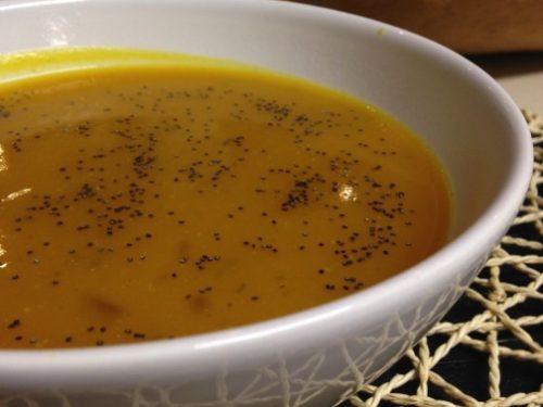 Crema di zucca e rosmarino, vellutata aromatica