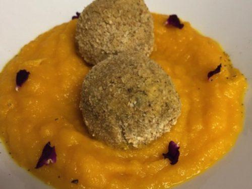 Polpette di lenticchie speziate con purè di carote
