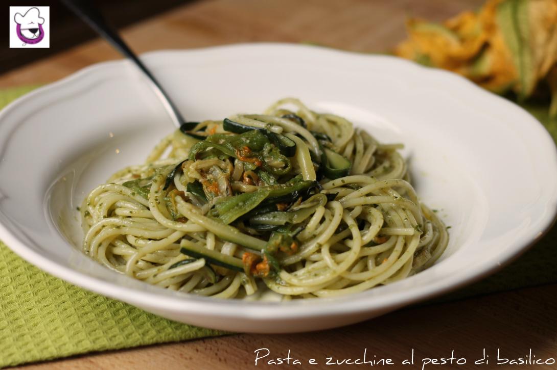Pasta e zucchine al pesto di zucchine