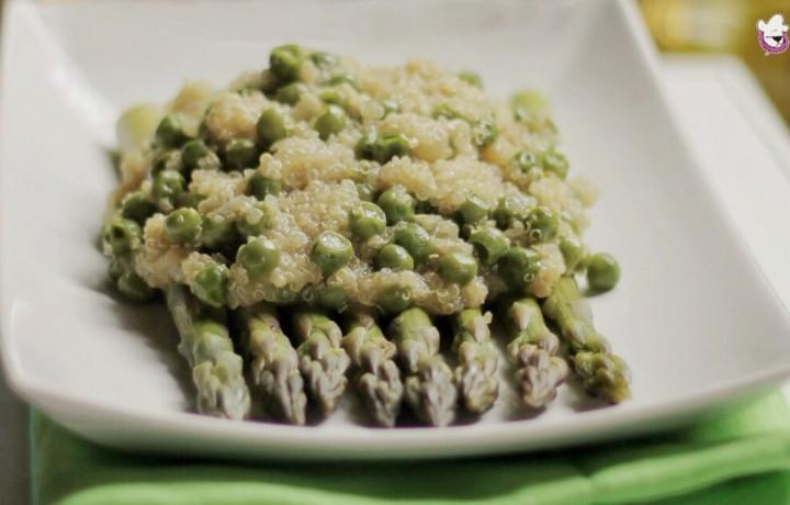 Quinoa con asparagi, piselli e zenzero