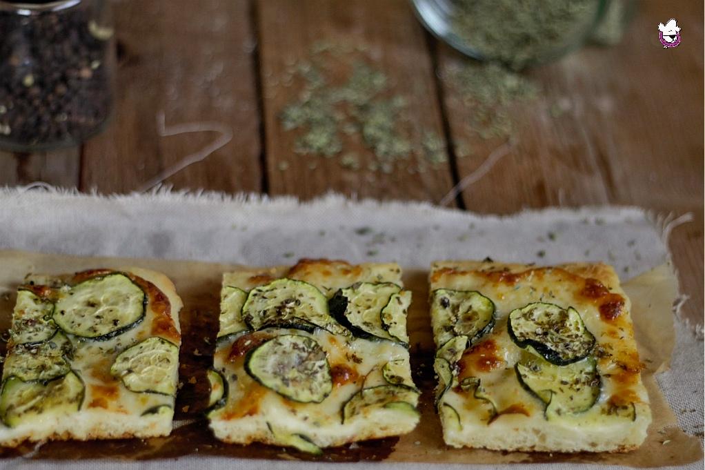 Focaccia zucchine e scamorza