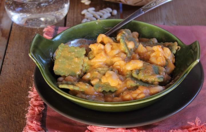 Quadrotti verdi al sugo di fagioli
