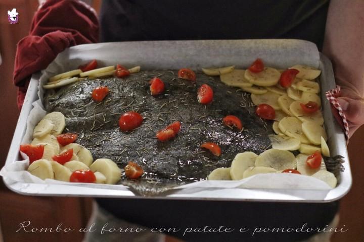 Rombo al forno con le patate e pomodorini