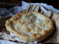 """Il Ceccio fritto  o """"Cecc' du bambine"""", ricetta lucana"""
