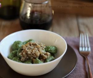Gnocchi con ricotta e spinaci con ragù bianco