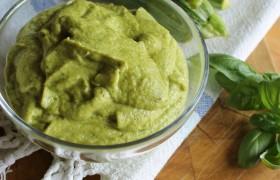 Pesto di zucchine ricetta tradizionale e ricetta Bimby