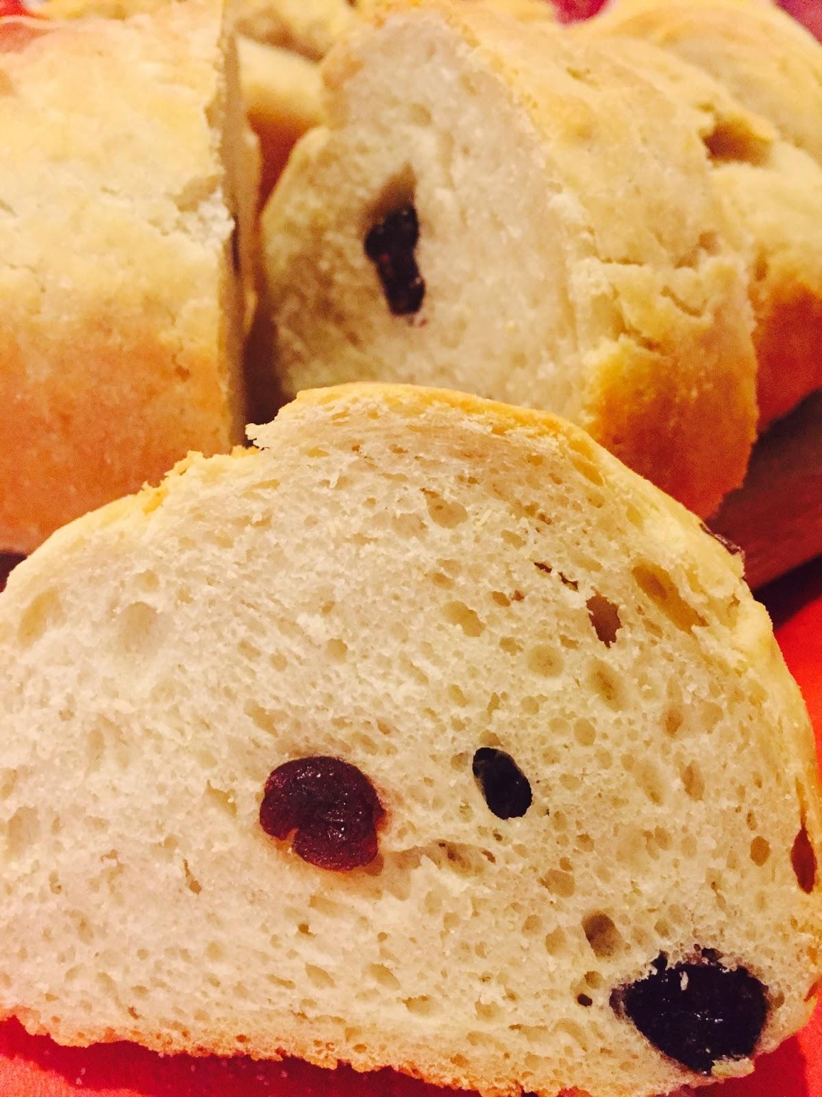 Ciambella di pane con uvetta