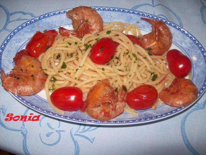 Spaghetti con code di gamberi e datterini - Blog Dolcezze di Sonia