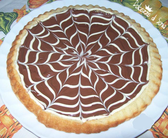 Crostata alla Nutella con decori in cioccolato bianco