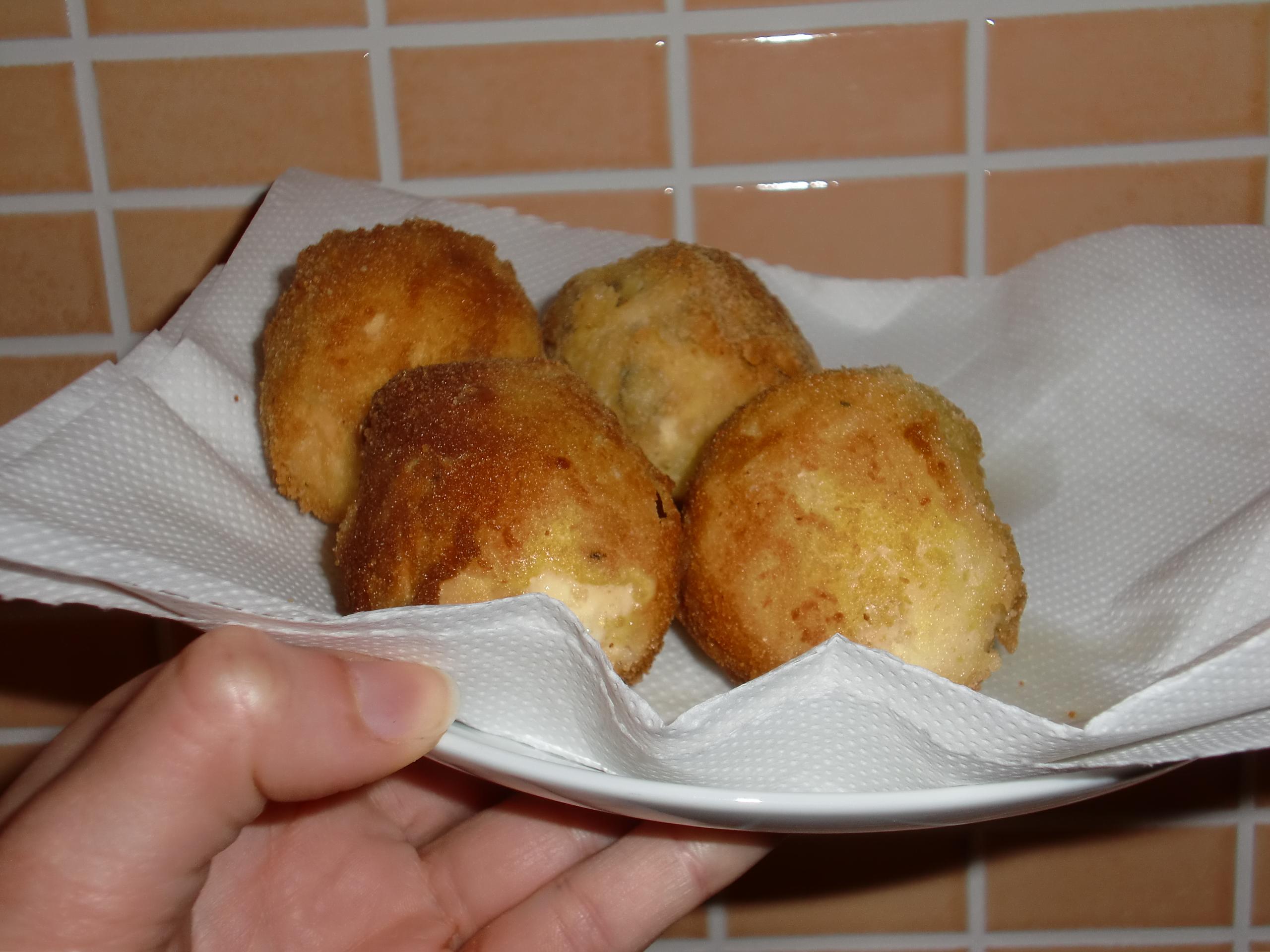 Stanchi della solita frittata arrivano le uova fritte for Cucinare 2 uova