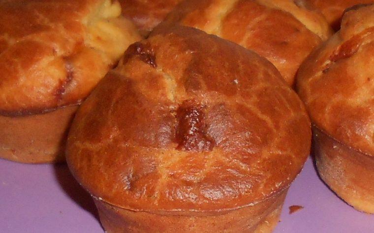Muffin salati con pomodori secchi