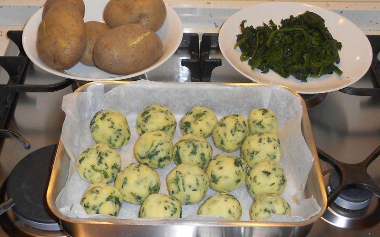 Polpette di patate con spinaci ed un tenero cuore di mozzarella