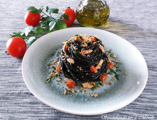 Chitarrine al nero con Sarde e Pomodorini