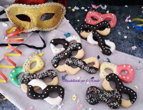 Maschere di Carnevale di pasta frolla