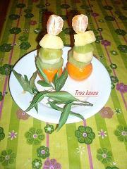 Spiedini con frutta e zucchero di canna