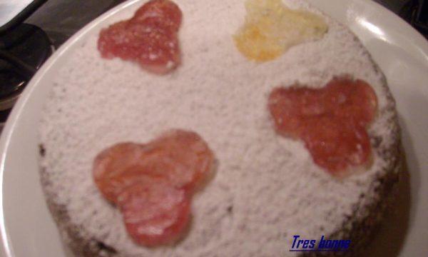 Torta all'arancia con cuori caramellati