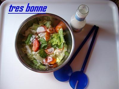 Insalata salsa yogurt e basilico