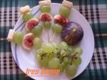 Spiedini di frutta e formaggio