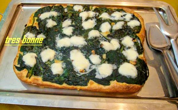 Focaccia con spinaci e mozzarella