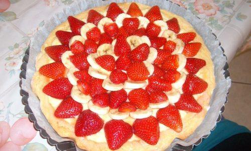 Crostata con crema fragole e banane