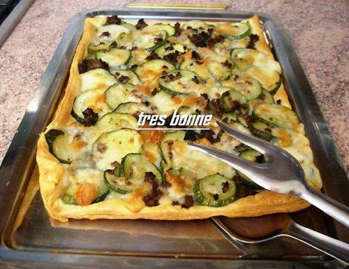 Pizza rustica con zucchine e carne
