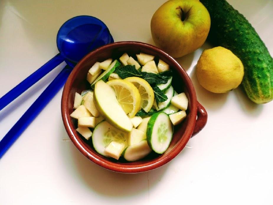 Insalata di mele verdi e cetrioli