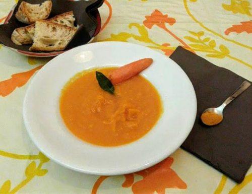 Crema di carote alla curcuma delicata