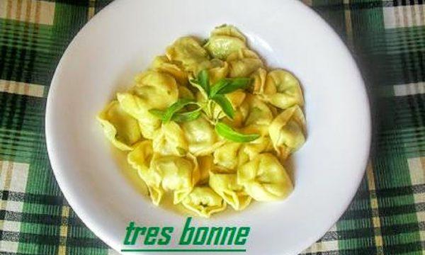 Tortellini con ricotta e spinaci ai sapori