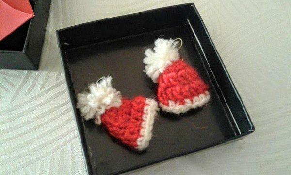 Cappelli babbo natale uncinetto orecchini idea regalo