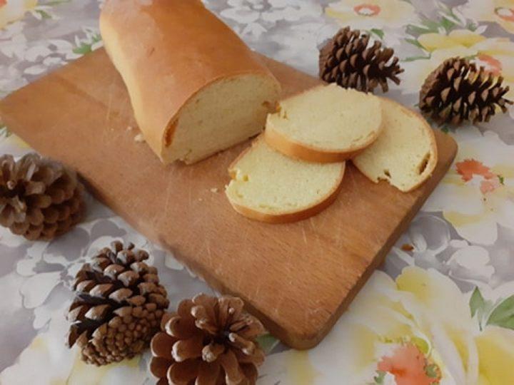 Pan bauletto fatto in casa senza burro con poco latte