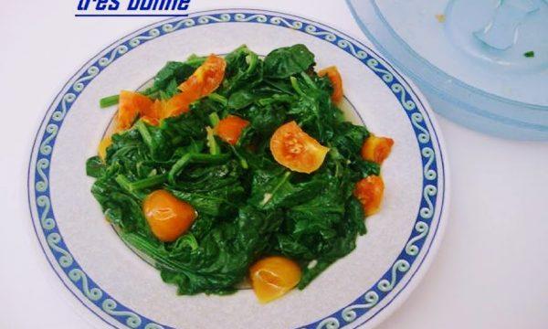 Spinaci al pomodoro ricetta microonde