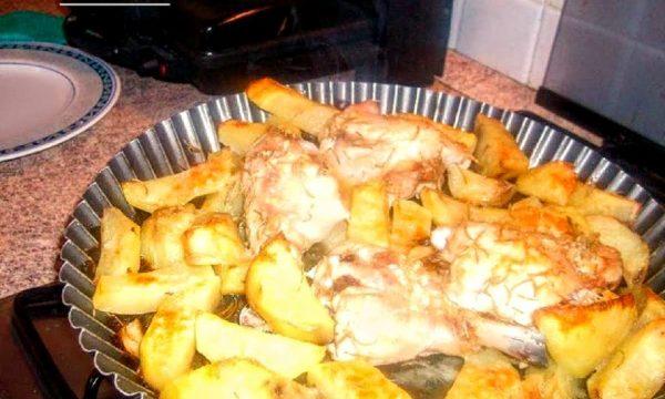 Pollo e patate al forno al rosmarino pugliese
