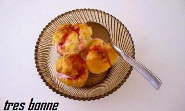 Bignè alla crema di ciliegie sciroppate nel microonde