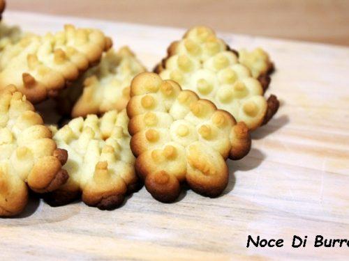 Alberelli di frolla montata, ricetta spara biscotti