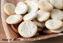 Crackers tipo ritz ricetta salata Noce Di Burro