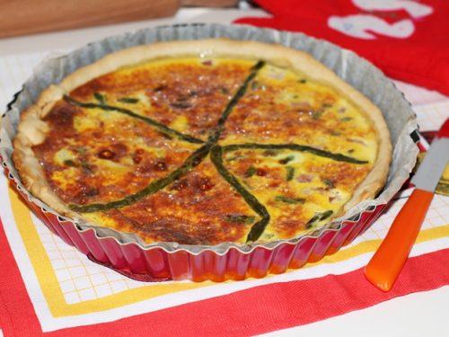 Torta salata di asparagi e prosciutto cotto