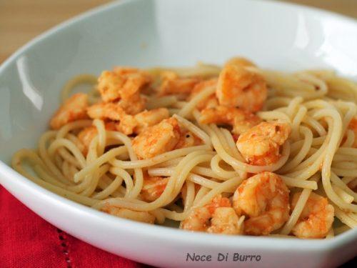 Spaghetti con pomodorini e gamberetti