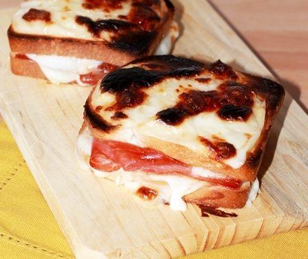 Croque monsieur il panino tipico francese