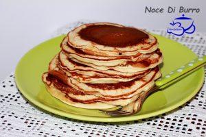 Pancake, ottimi con sciroppo d' acero o cioccolata calda
