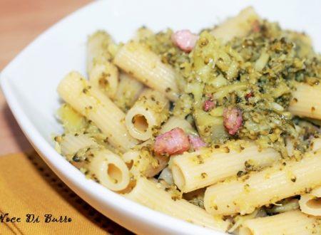 Rigatoni con cimette di broccoli e pancetta croccante