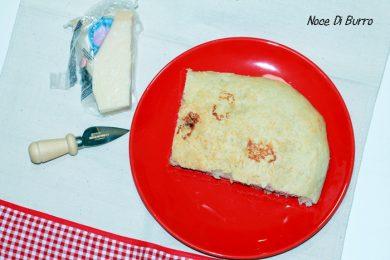 Focaccia sofficissima al formaggio grattugiato