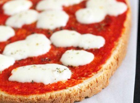 Pizza margherita di pan bruschetta veloce e semplice