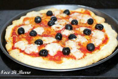 Pizza margherita con lievito istantaneo