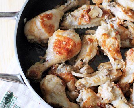 Cosce di pollo impanate con i funghi