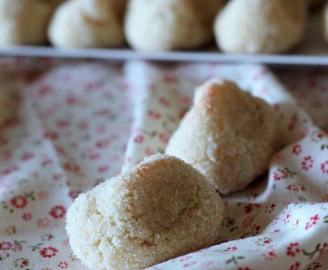 Paste di mandorla pizzicate ricetta siciliana