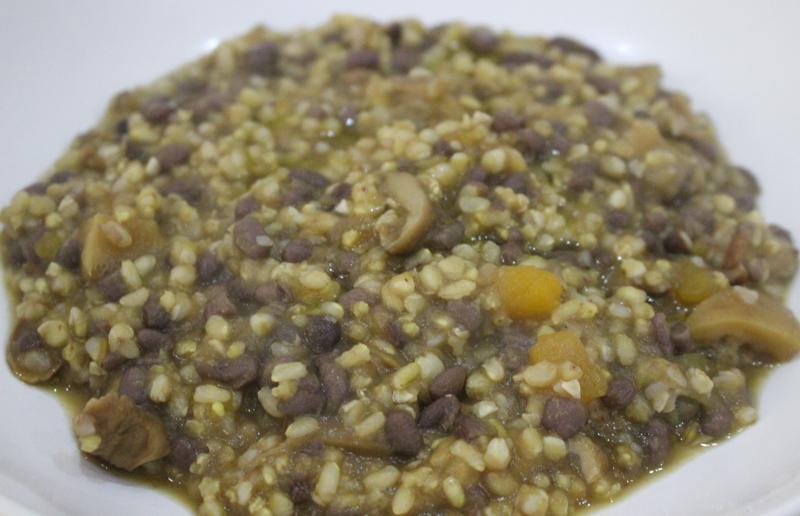 Cereali con zucca, funghi e fagioli azuki