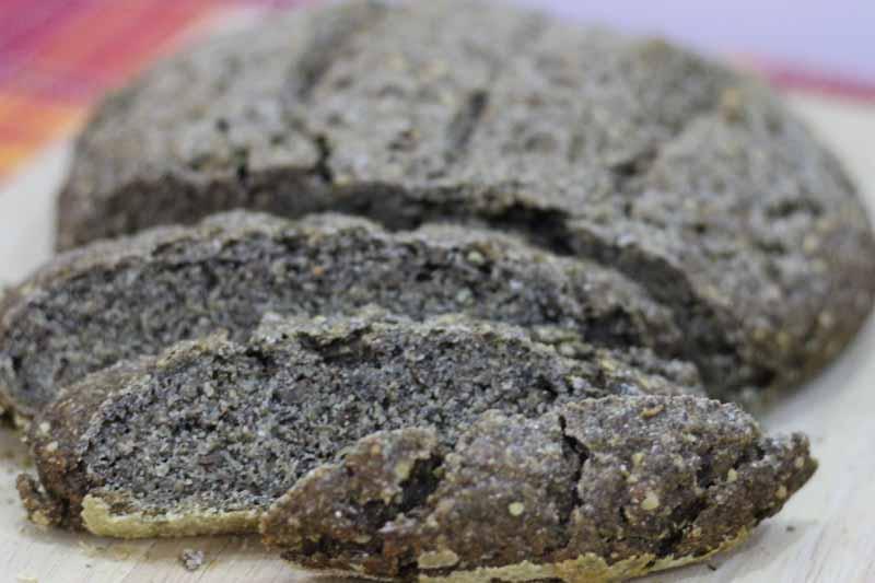 Pane di grano saraceno e canapa con mix di semi