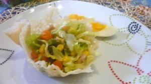 insalatina primavera in cialda al grana